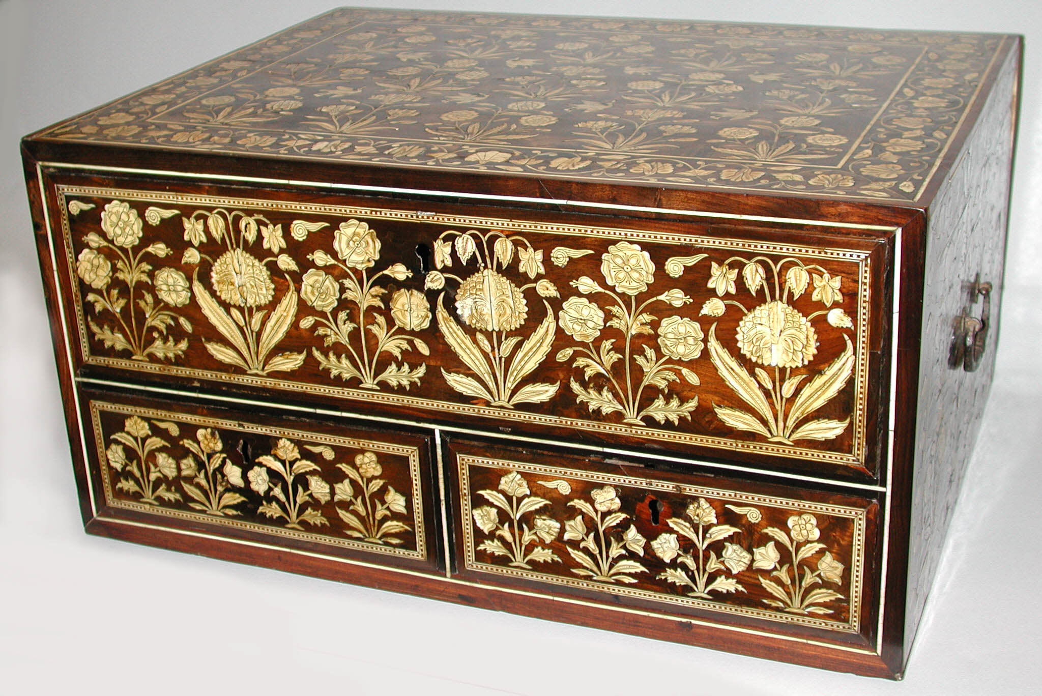 Flower-style wooden box